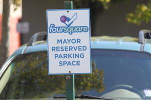 Parking réservé au Mayor Foursquare
